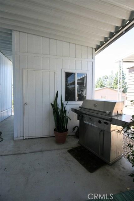 24001 Muirlands Boulevard, Lake Forest CA: http://media.crmls.org/medias/7c735007-3a40-48b3-9204-79e3ad016210.jpg