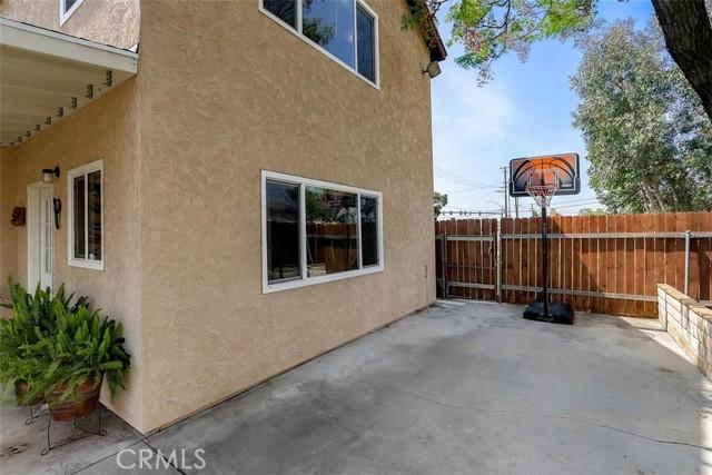 440 W Randall Avenue, Rialto CA: http://media.crmls.org/medias/7c8e7eda-36e6-4597-a4ed-be14a0aa7199.jpg