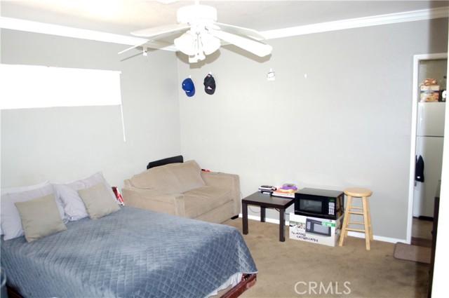 734 W D Street, Ontario CA: http://media.crmls.org/medias/7c8fe61a-1173-4be2-b2f2-b40d9110dfe1.jpg