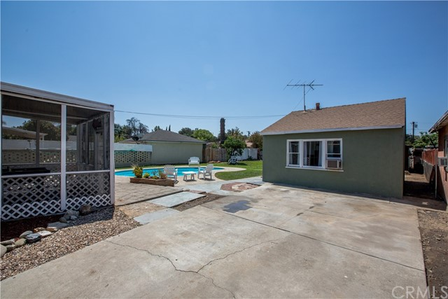 4146 Van Buren Boulevard, Riverside CA: http://media.crmls.org/medias/7c95eccc-466b-4f5d-8cfe-9ed8126c857d.jpg