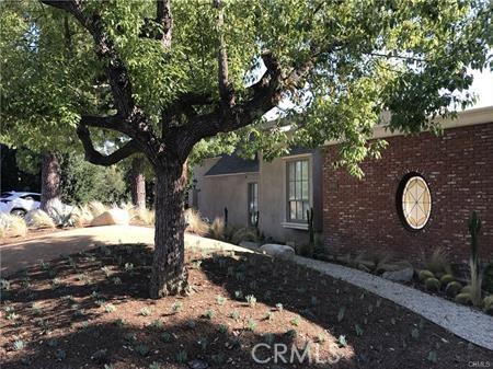 1049 Oak Grove Place, San Marino CA: http://media.crmls.org/medias/7c9bf11b-764b-487e-99dc-f8f3a0e06adf.jpg