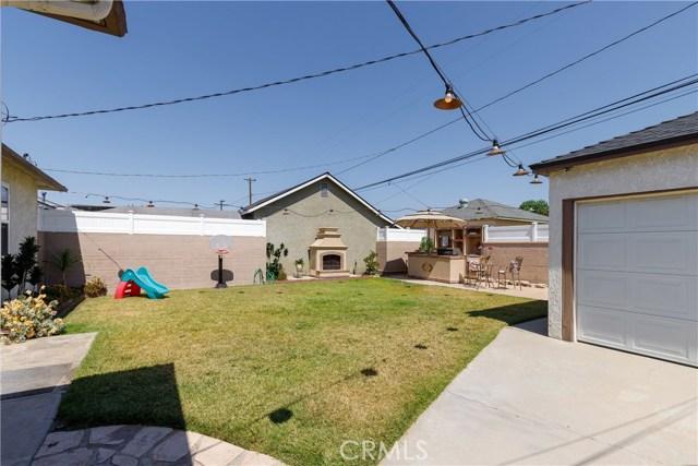 6017 Eberle Street, Lakewood CA: http://media.crmls.org/medias/7c9ecc75-5cbc-4b7d-8a4f-5129d790579a.jpg
