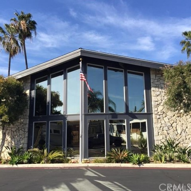 249 Mayflower Dr, Newport Beach CA: http://media.crmls.org/medias/7ca10b1e-5f14-42b1-9940-3fd689b920c1.jpg