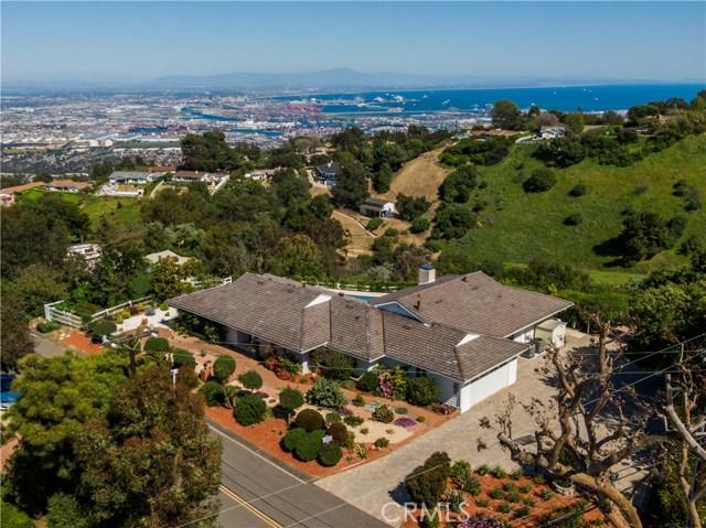 1 Maverick Lane, Rolling Hills CA: http://media.crmls.org/medias/7cb29512-fdc9-4b44-b55f-06962c843989.jpg