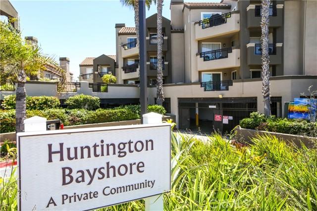 410 Lake Street, Huntington Beach CA: http://media.crmls.org/medias/7cb85a2d-b782-4cf0-8f05-68807c4c2136.jpg