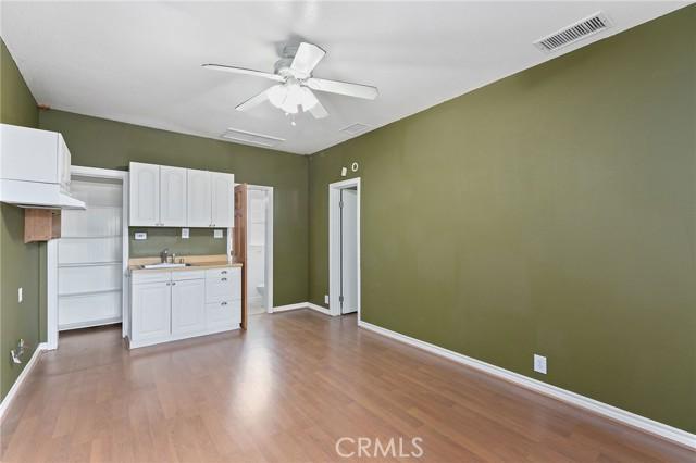324 W Kendall Street, Corona CA: http://media.crmls.org/medias/7cd7b471-8d9a-43b7-8bdd-06342bf8e1a2.jpg