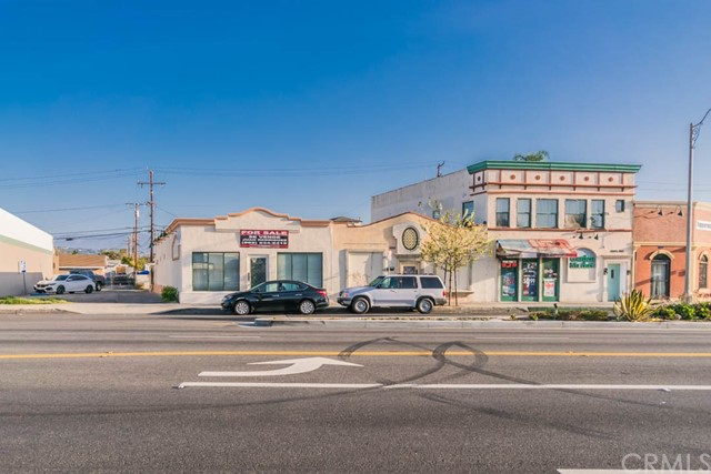 8313 E Whittier Boulevard, Pico Rivera CA: http://media.crmls.org/medias/7cf4c8a4-1ff9-4846-bd05-efe328b4c91d.jpg