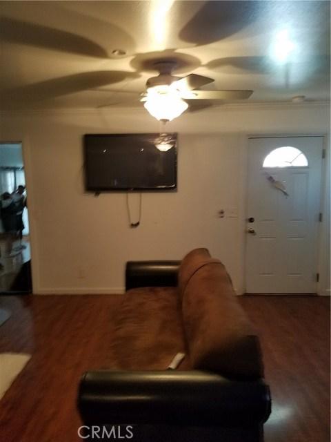 545 W 109th Place Los Angeles, CA 90044 - MLS #: MB18067669