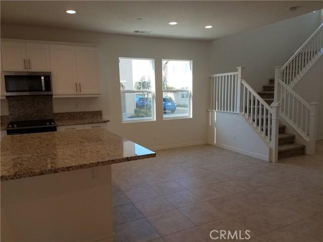 210 W Ridgewood St, Long Beach, CA 90805 Photo 5