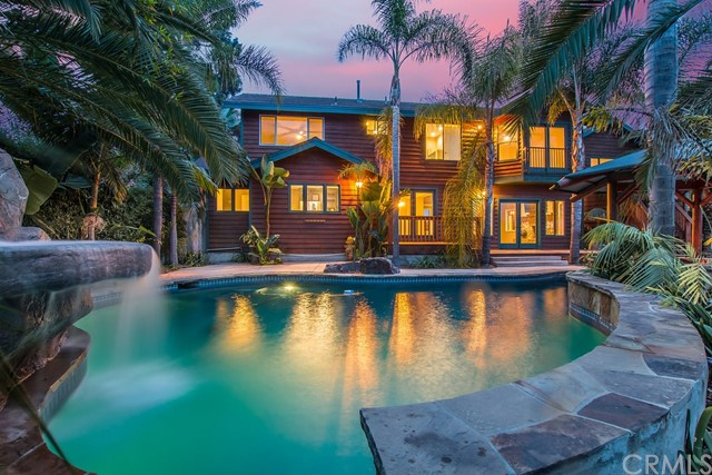 Single Family Home for Sale at 943 Sunset Drive 943 Sunset Drive Vista, California 92081 United States