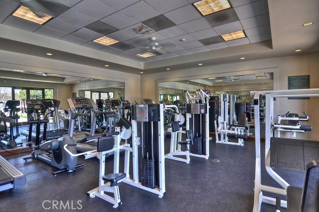 55 Canopy, Irvine CA: http://media.crmls.org/medias/7d20ab9c-7a5d-4e23-8c97-2ce2ca19ee26.jpg