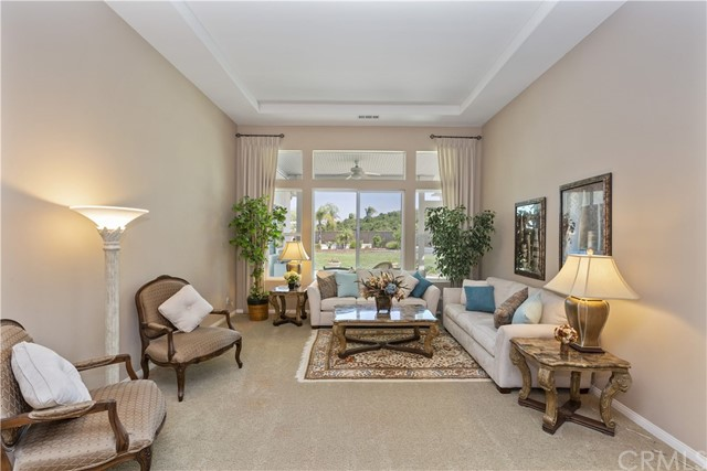 17237 Blue Ridge Court, Riverside CA: http://media.crmls.org/medias/7d225dc2-dfa4-43be-9908-5e45eacafc2a.jpg