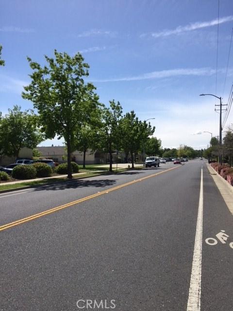 1117 El Monte Avenue, Chico CA: http://media.crmls.org/medias/7d2e2977-d07c-4e5f-9191-02c80bce456f.jpg