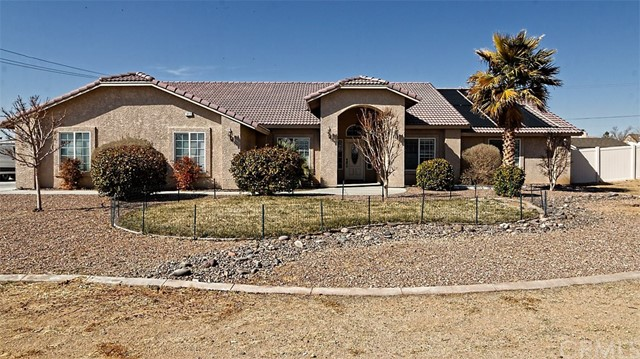 19420 Roanoke Road, Apple Valley, CA, 92307