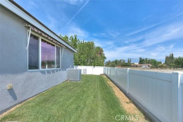 3186 Riverside Terrace, Chino CA: http://media.crmls.org/medias/7d45ec4f-758b-46ba-839c-7d23567dcd7f.jpg