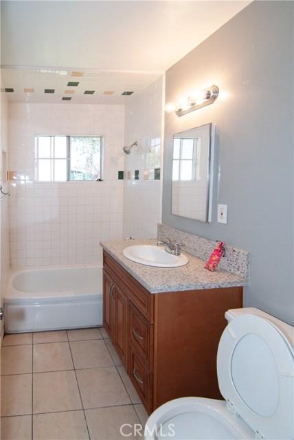 17018 E Bellbrook Street, Covina CA: http://media.crmls.org/medias/7d465831-98db-4b92-ba63-c5c5682e2c5c.jpg