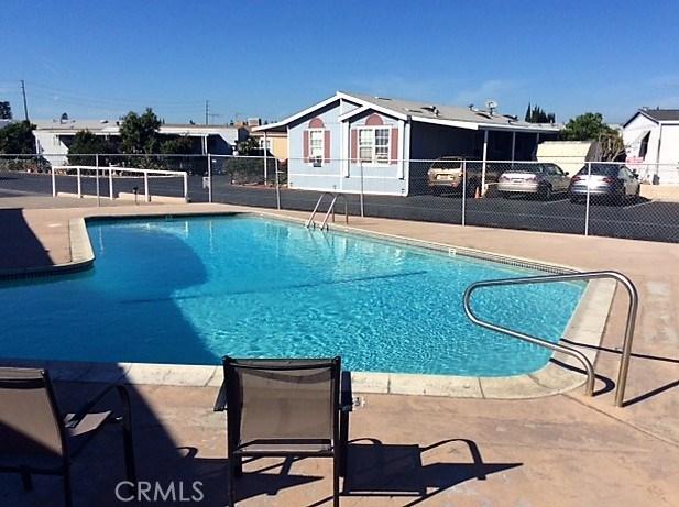 432 S Harbor Boulevard, Santa Ana CA: http://media.crmls.org/medias/7d47435f-964c-401d-94de-6c3e800de357.jpg