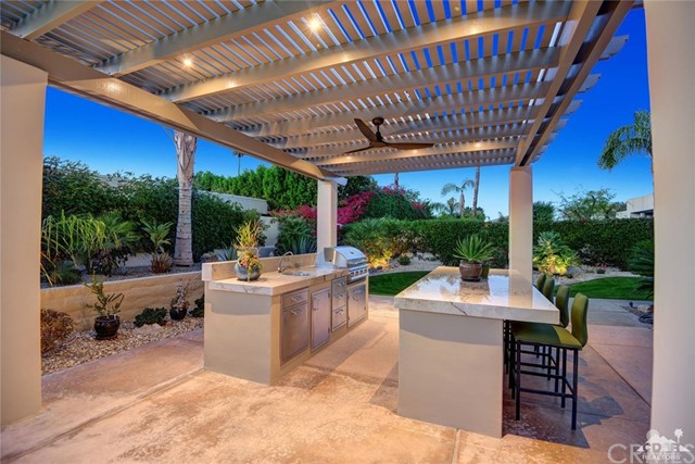 15 Villaggio Place, Rancho Mirage CA: http://media.crmls.org/medias/7d51223e-b971-43c6-8511-bbbf75c016d0.jpg