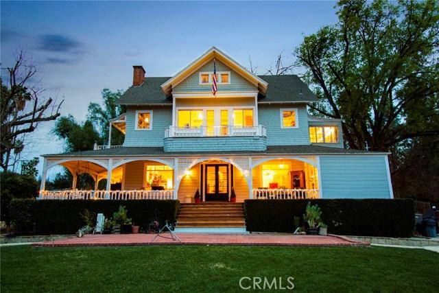 1311 S Center Street, Redlands CA: http://media.crmls.org/medias/7d543841-d3d9-44a7-b9ff-ecc3402ce1eb.jpg