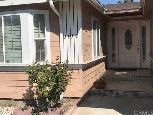 3435 W Thornton Avenue, Anaheim CA: http://media.crmls.org/medias/7d547f2b-824e-4ee9-9985-459aead1f6e8.jpg