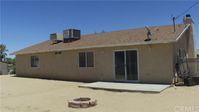 7622 Alaba Avenue, Yucca Valley CA: http://media.crmls.org/medias/7d573dc1-5b2a-4a41-abd1-1bd56a388dcc.jpg