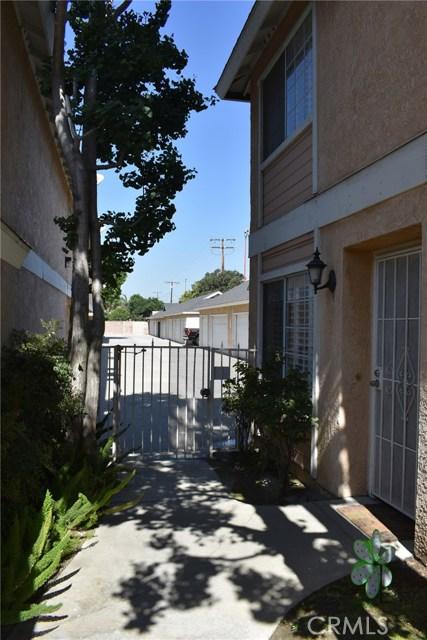 12235 Pine Street, Norwalk CA: http://media.crmls.org/medias/7d8c9867-64f1-4c52-b8d0-d16437082cef.jpg