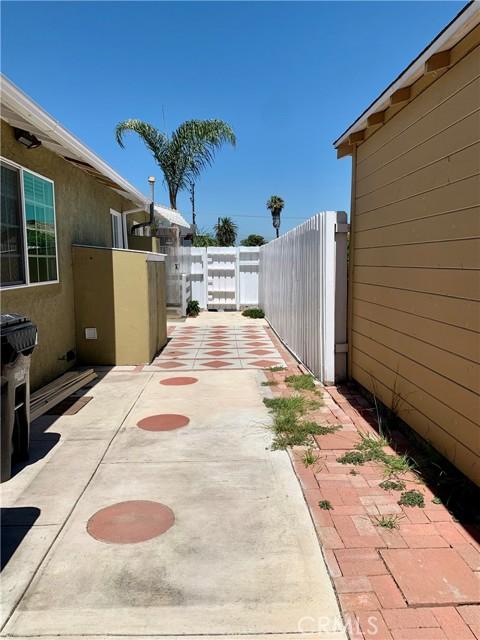 8446 Kittyhawk Avenue, Los Angeles CA: http://media.crmls.org/medias/7d92947b-4bc4-49a6-8b05-4249fcd87ad3.jpg