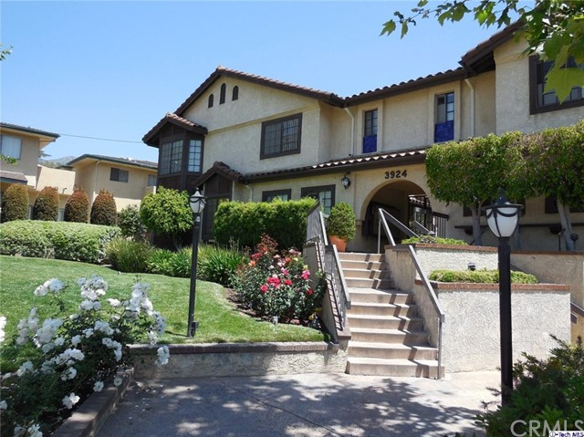 Townhouse for Sale at 3924 Park Place Montrose, California 91020 United States