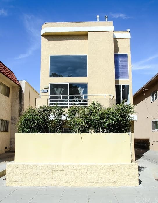 12021 Washington Place Los Angeles, CA 90066 - MLS #: SB17246731