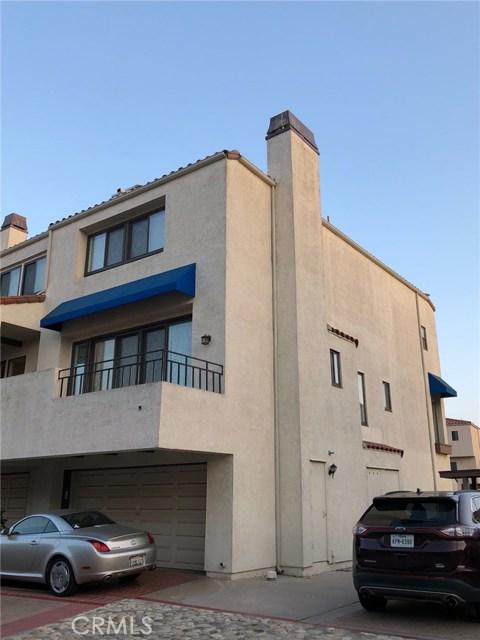 3231 Francois Drive, Huntington Beach CA: http://media.crmls.org/medias/7da81a66-77cc-4efb-81b5-65fa153ad70e.jpg