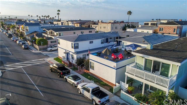 Photo of  Newport Beach, CA 92663 MLS OC17224478