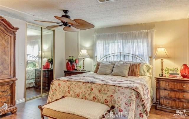73450 Country Club Drive, Palm Desert CA: http://media.crmls.org/medias/7db912e4-6ecc-4770-8a22-43806a094697.jpg