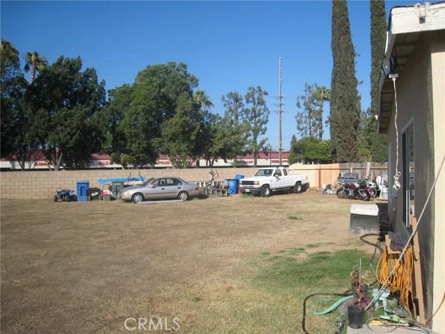 4481 Clarksdale Drive, Riverside CA: http://media.crmls.org/medias/7dbf6609-dbe6-40d6-802d-c55e3625778c.jpg