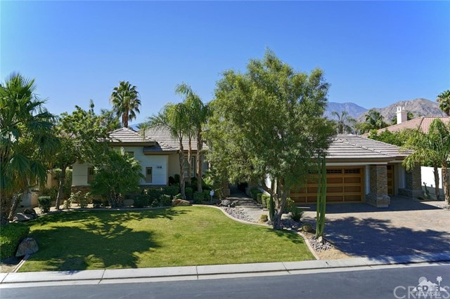 Photo of home for sale at 80205 Via Valerosa, La Quinta CA