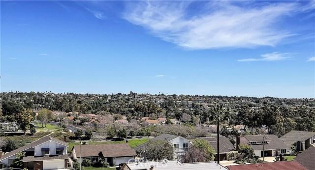 Single Family Home for Sale at 24316 Via Madrugada Mission Viejo, California 92692 United States