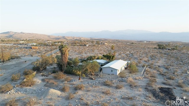 26201 Hopper Road, Desert Hot Springs CA: http://media.crmls.org/medias/7dca0ea2-3762-4d12-a164-fa07fbc2bea6.jpg
