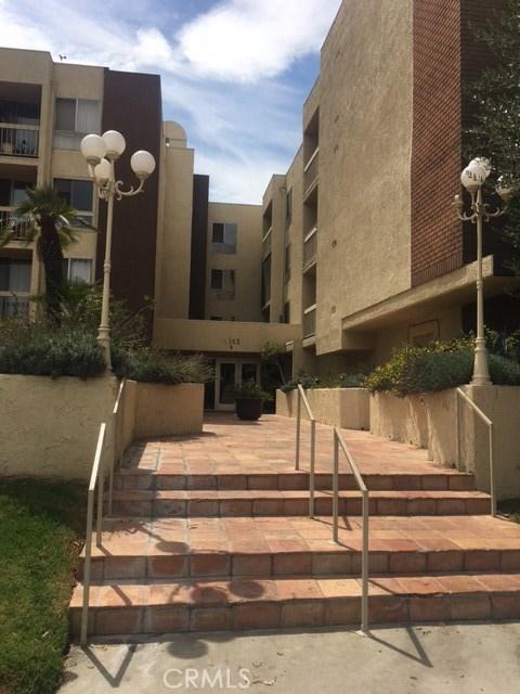 Condominium for Sale at 5143 Bakman Avenue Unit 106 5143 Bakman Avenue North Hollywood, California 91601 United States