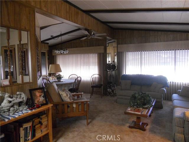 26057 Queen Palm Drive, Homeland CA: http://media.crmls.org/medias/7dd4a63b-a32b-494a-9d1c-4167248380f6.jpg