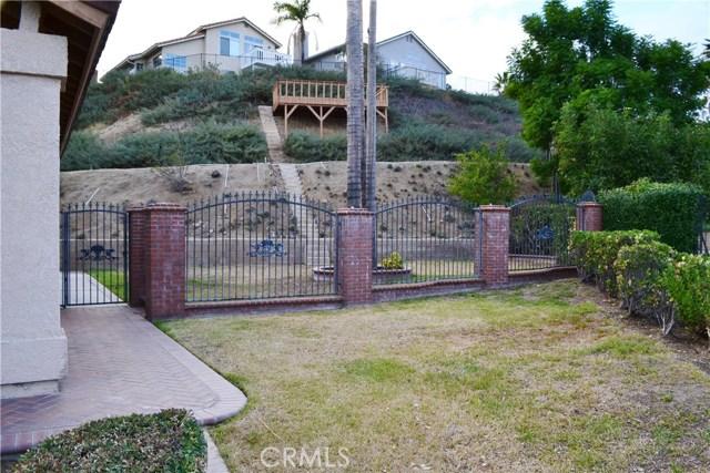 494 Wellington Circle, Corona CA: http://media.crmls.org/medias/7ddaa361-d115-4462-be91-5855b246862c.jpg
