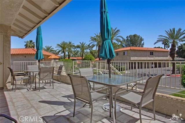 72862 Roy Emerson Lane, Palm Desert CA: http://media.crmls.org/medias/7ded1658-59f8-4831-86df-53fd8e841d8b.jpg