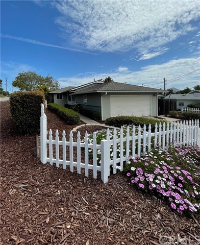 Detail Gallery Image 1 of 1 For 106 Le Point St, Arroyo Grande,  CA 93420 - 3 Beds | 2 Baths