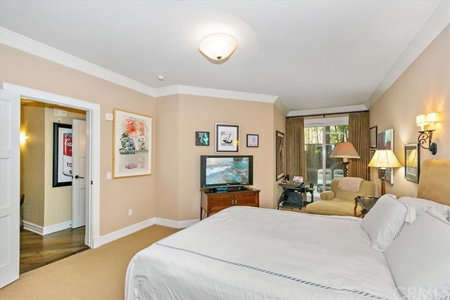 411 N Oakhurst Drive, Beverly Hills CA: http://media.crmls.org/medias/7dfaad39-7323-4233-9309-f1c7813566fa.jpg