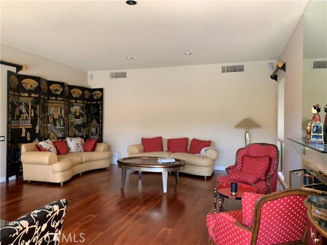 37 Colgate, Rancho Mirage CA: http://media.crmls.org/medias/7e00bf39-b2bb-4f20-8664-88f6000321d6.jpg