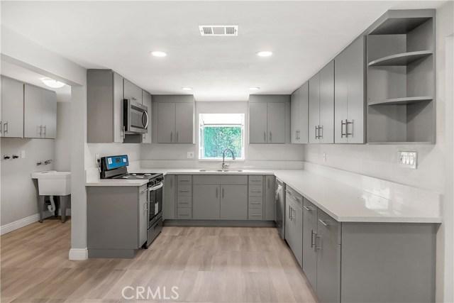 20760 W Ingomar Street, Winnetka, CA 91306