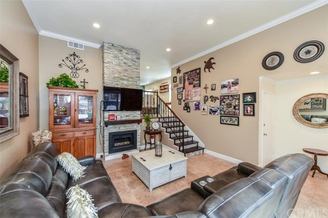 2100 W Palmyra Avenue, Orange, California
