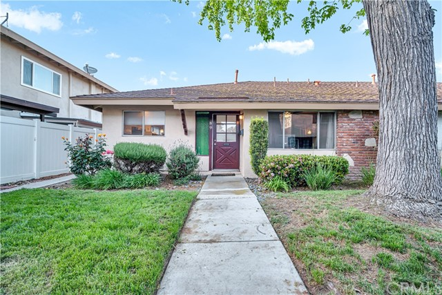 Detail Gallery Image 1 of 35 For 1921 Sherry Ln #89,  Santa Ana,  CA 92705 - 2 Beds   2 Baths