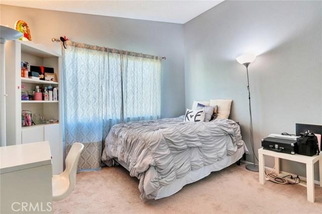 951 Inn Keeper Lane, Corona CA: http://media.crmls.org/medias/7e248489-db23-4a95-a6ff-dec4cdbbb549.jpg