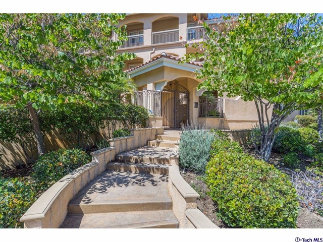 2930 Fairway Avenue 203 La Crescenta, CA 91214 is listed for sale as MLS Listing 316006851