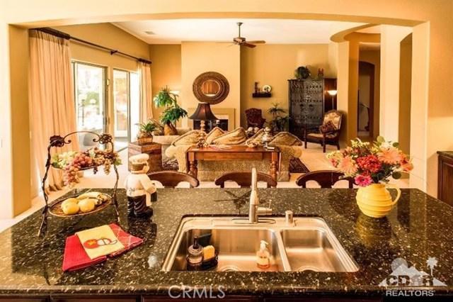 87 Avenida Lirio Blanco, Rancho Mirage CA: http://media.crmls.org/medias/7e3fc72d-eb0a-480b-bbb7-6cb105afc6c6.jpg