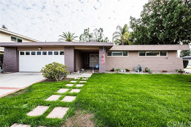 206 Cimarron Avenue , CA 92870 is listed for sale as MLS Listing OC16737843